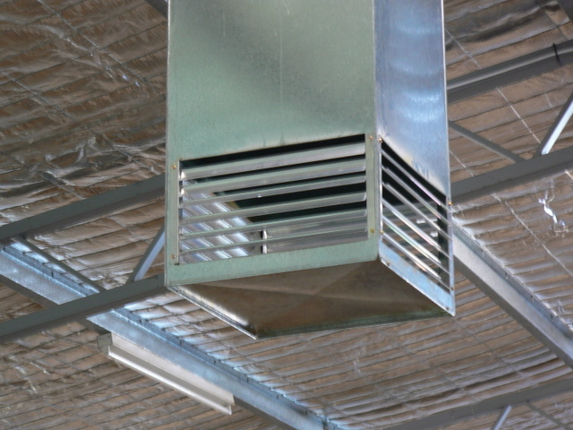 Air conditioning plenum